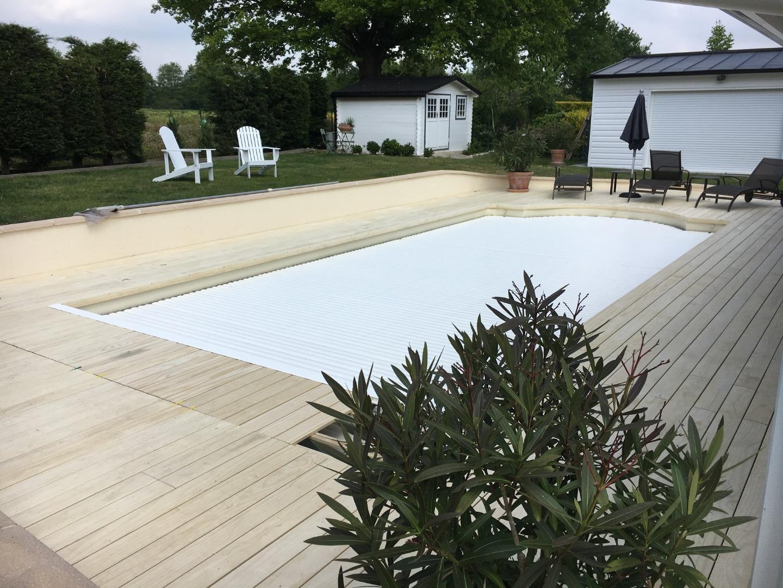 Plage de piscine à Sucé-sur-Erdre
